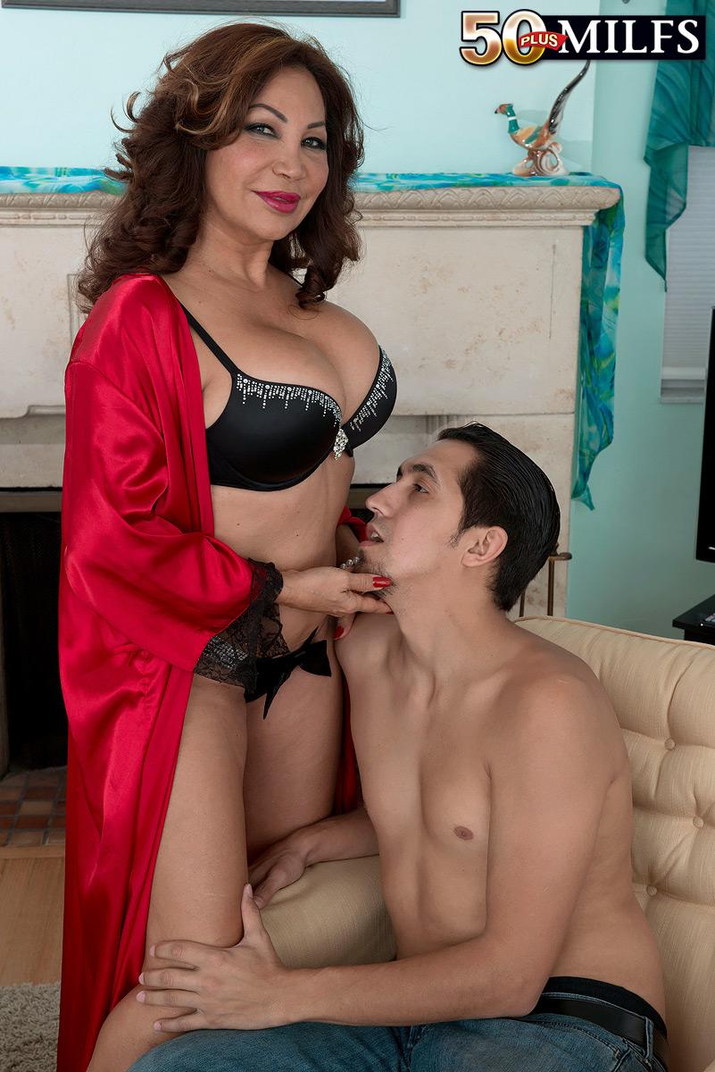 latina milf porno
