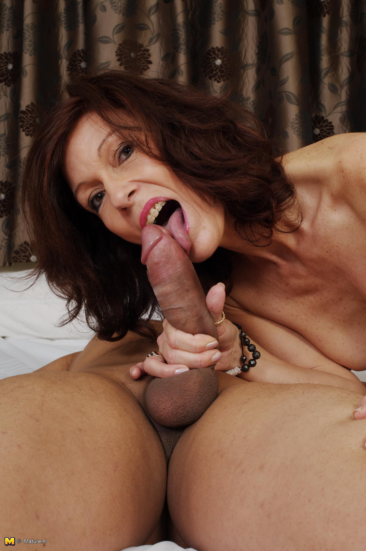 Hot Cougars Sucking Dick