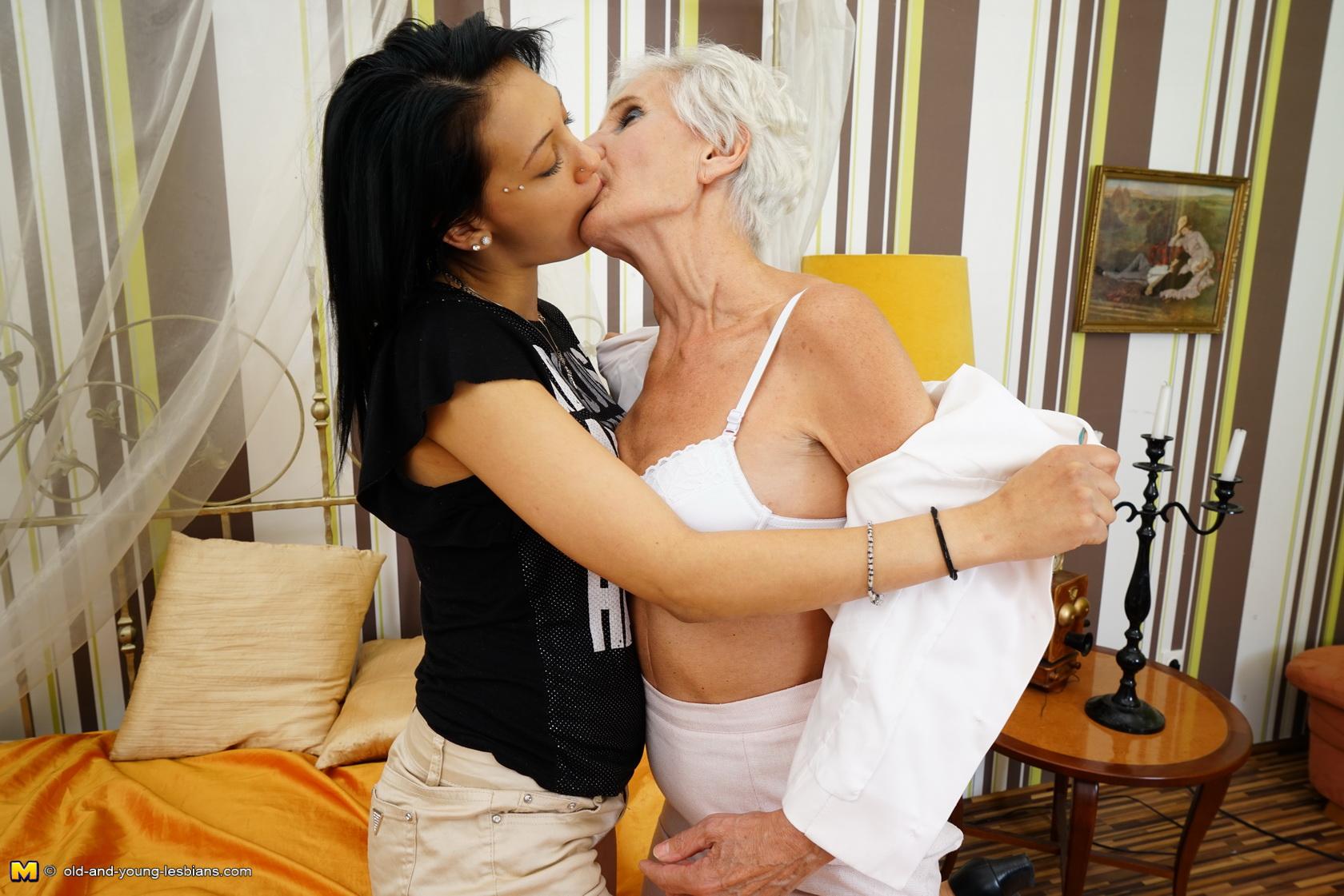 Real Lesbian Amateur Couple