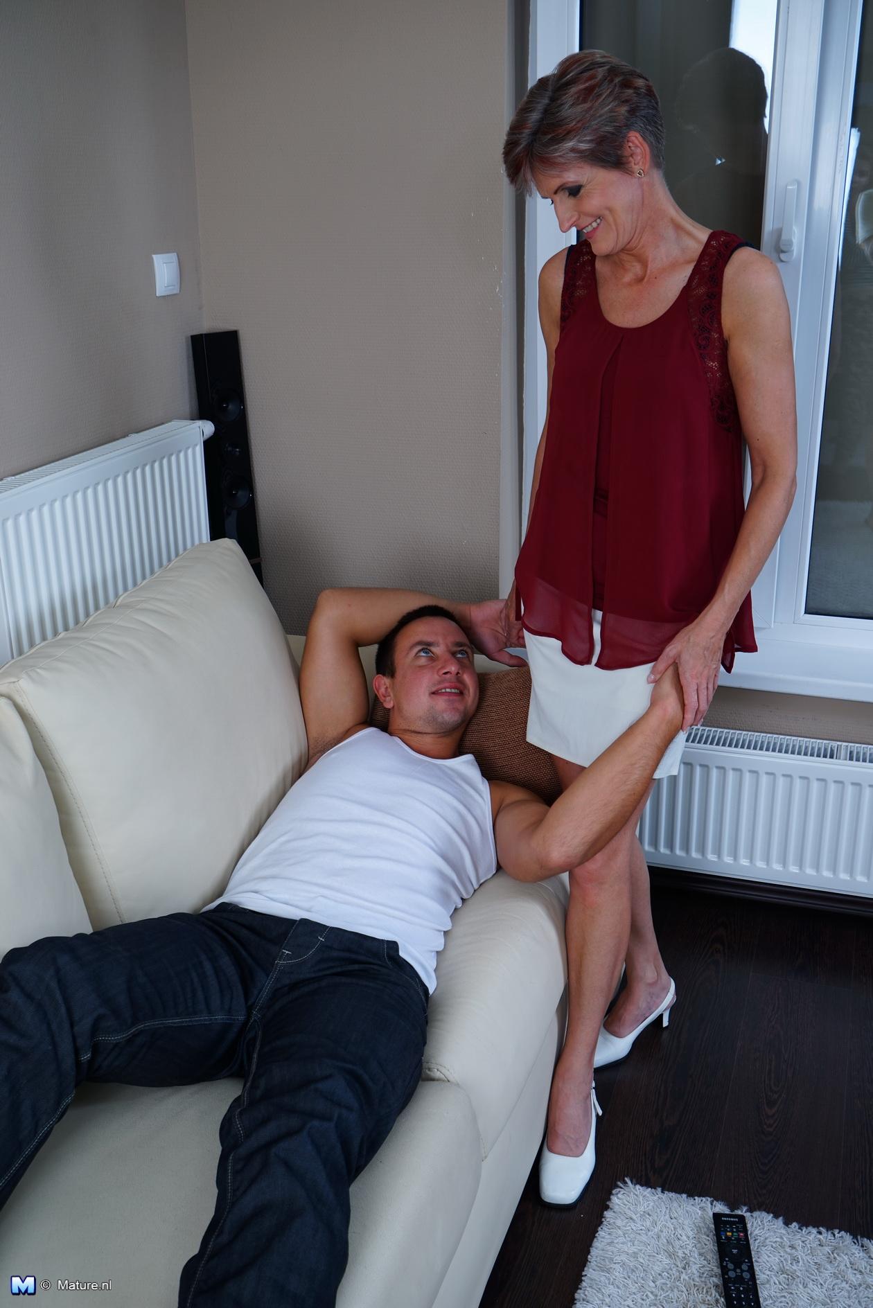 Man gives girl an orgasm