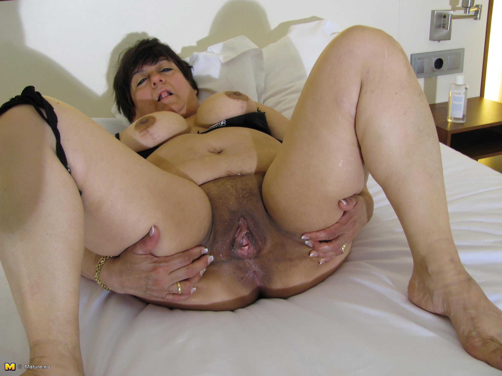 mature-vagina-galleries-thick-lightskin-xxx