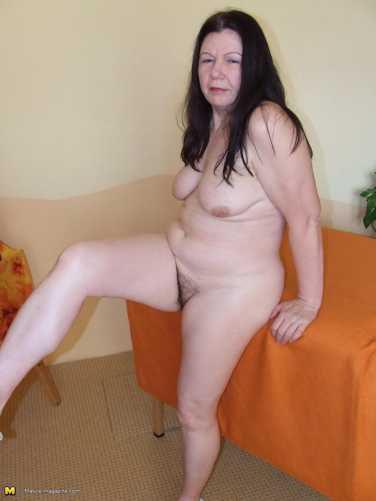 dark haired serbian girl nude