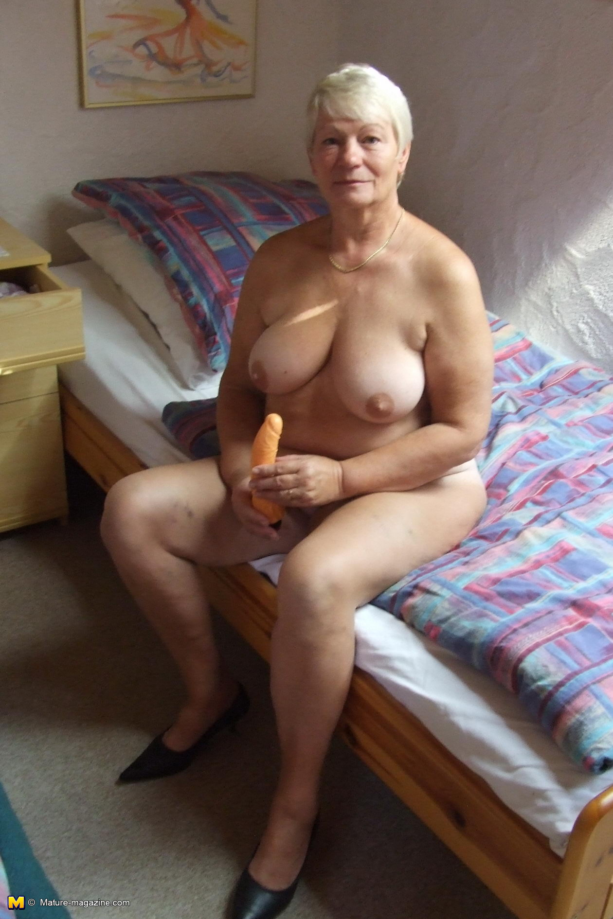 Women who love shaved pussy