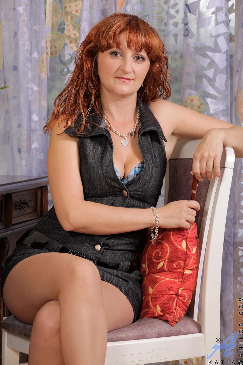 Moms redhead beautiful nude