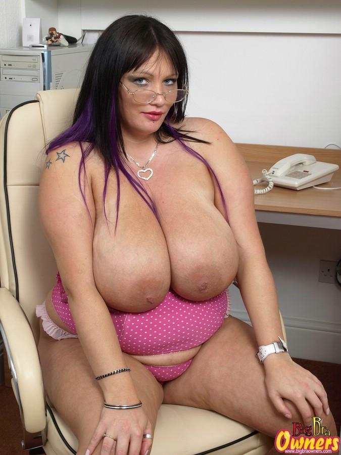 stephens boobs simone