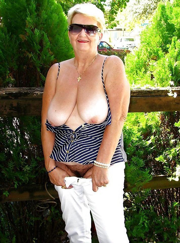 naked pic at hot rods