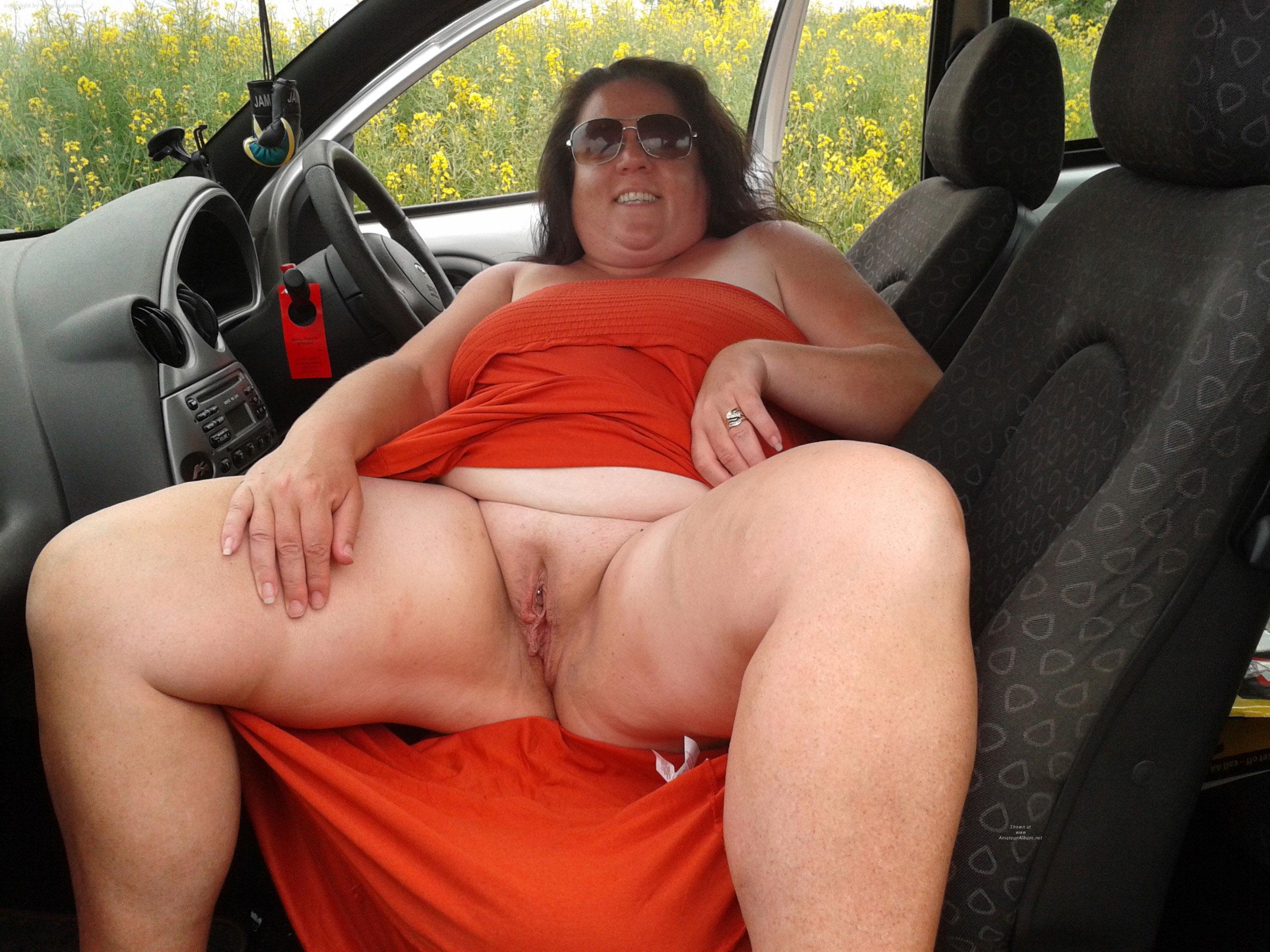 Порно под юбкой толстые